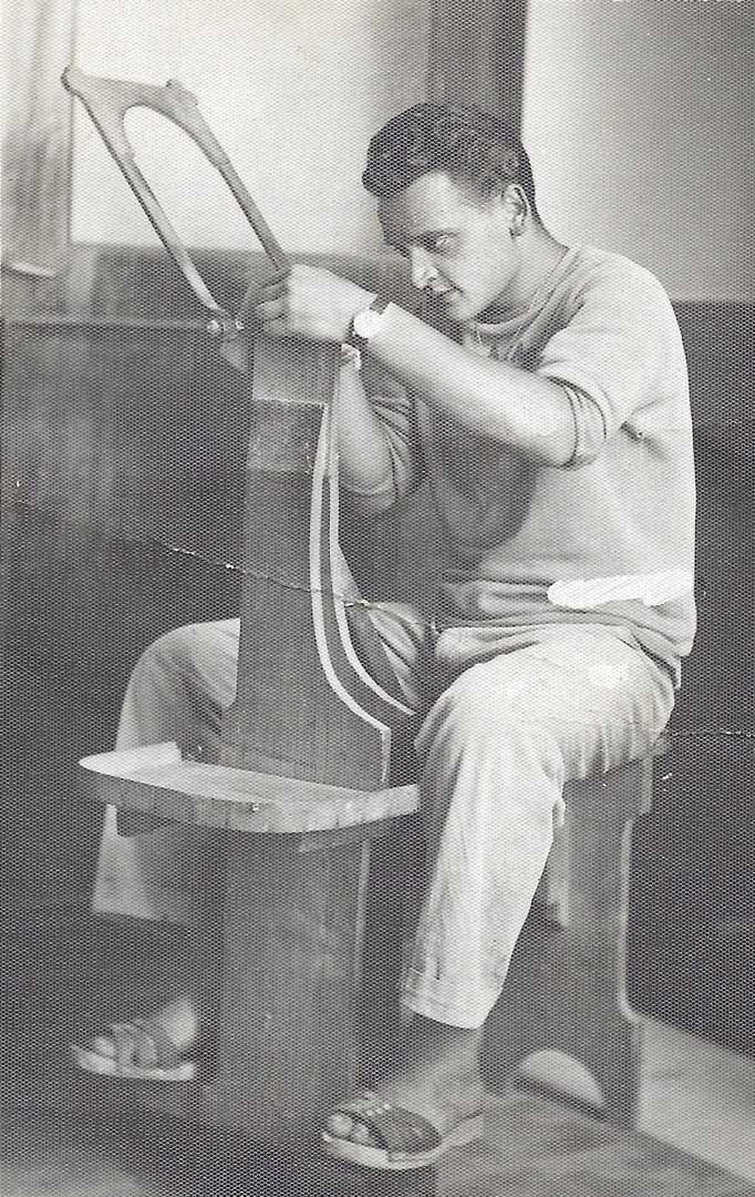 Aniello Stinga cutting wood's inlay on the scannella, 1949, Sorrento